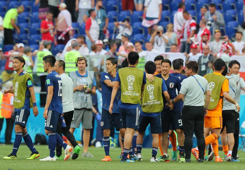 【悲報】英ガーディアン紙「日本人ファンでさえ、このゴミ試合のゴミは片づけられないだろう」